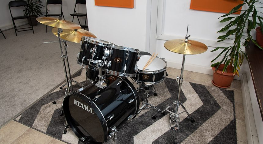 Барабани - Учебни зали в Музикална Школа Sound Circle