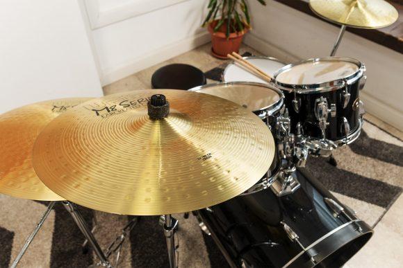 Краш - чинел от сет барабани за обучение в Саунд Съркъл